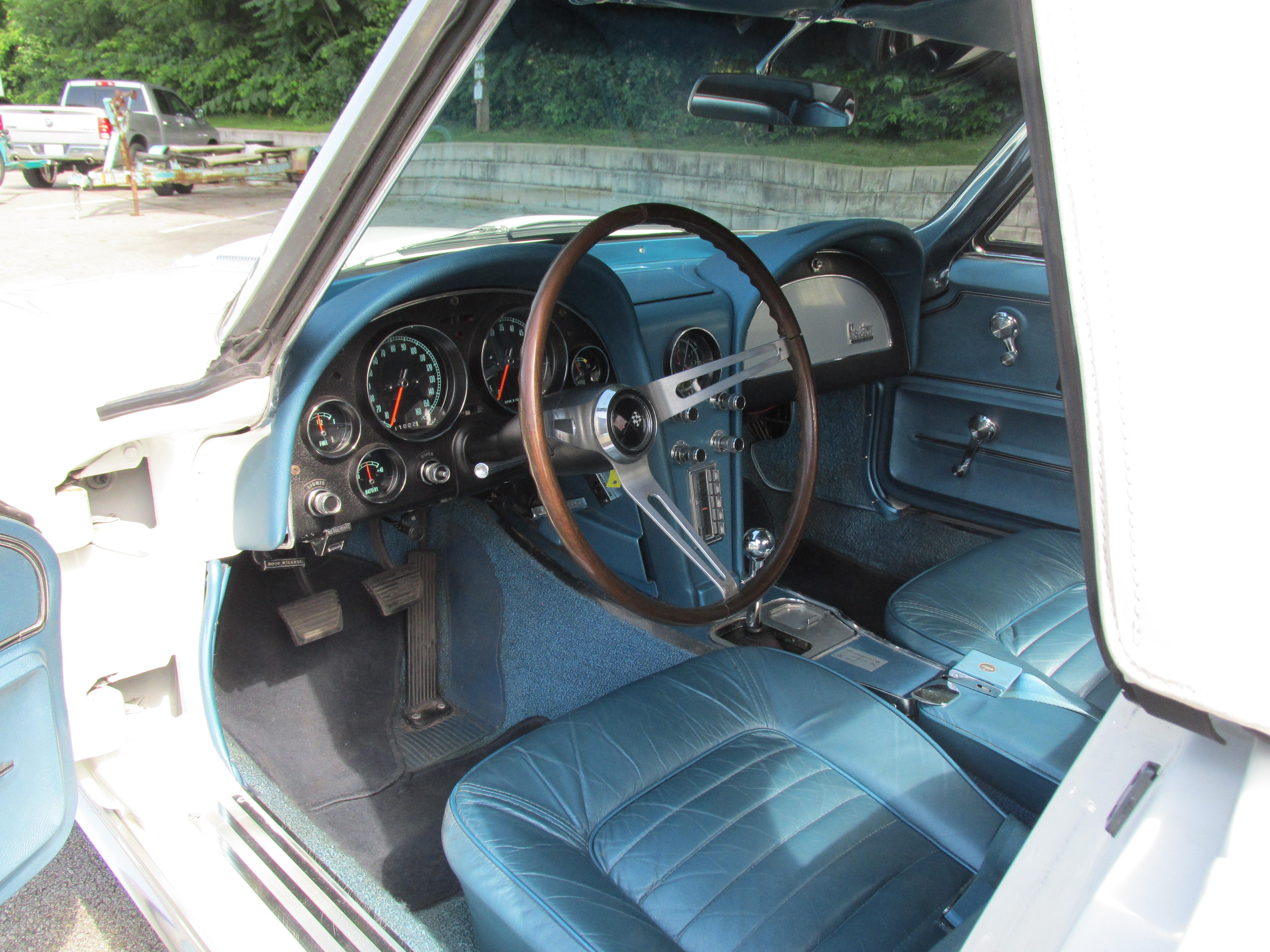 1966 Chevrolet Corvette 427 - Fort Pitt Classic Cars