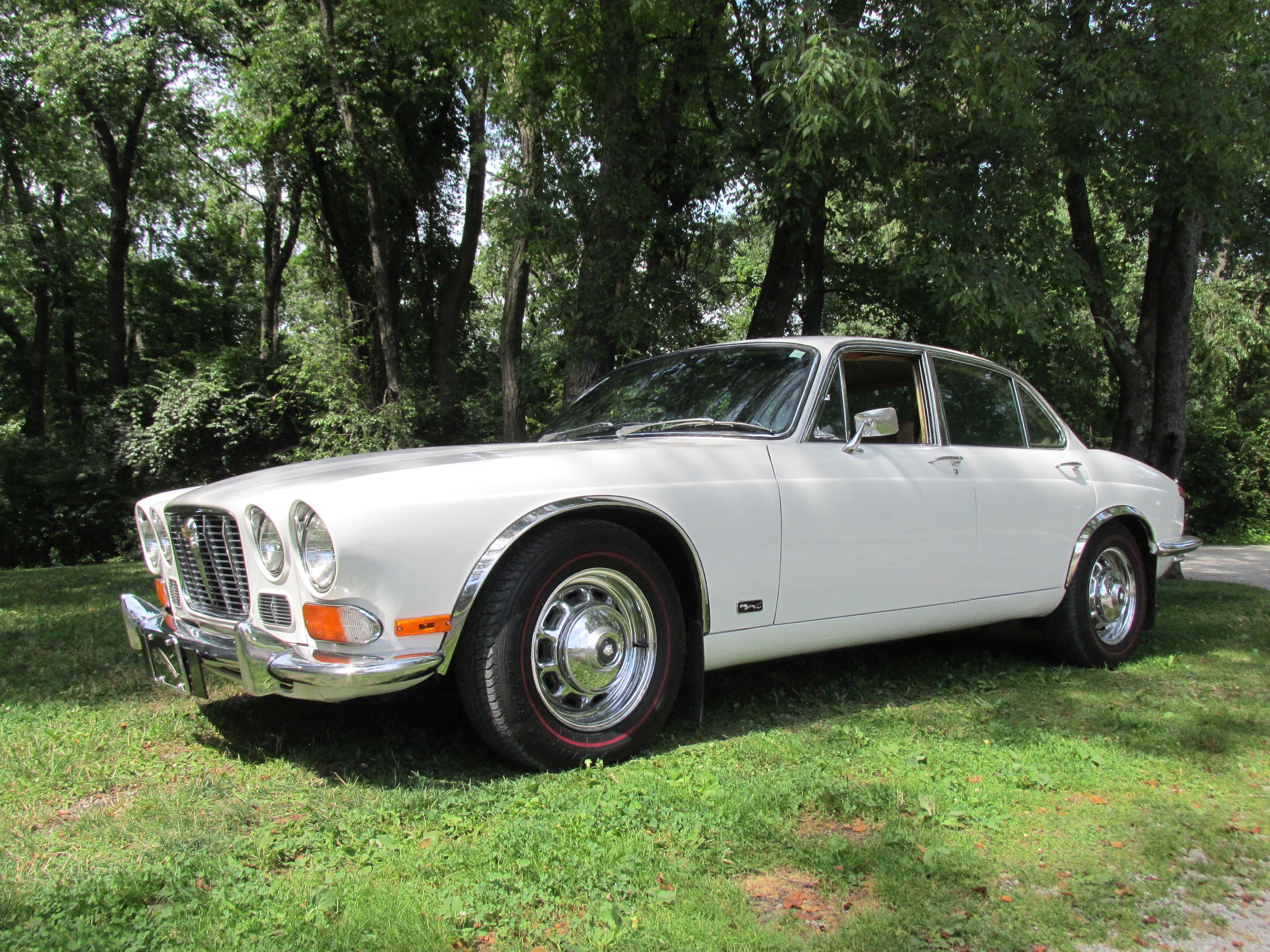 1971 Jaguar XJ6 - Fort Pitt Classic Cars